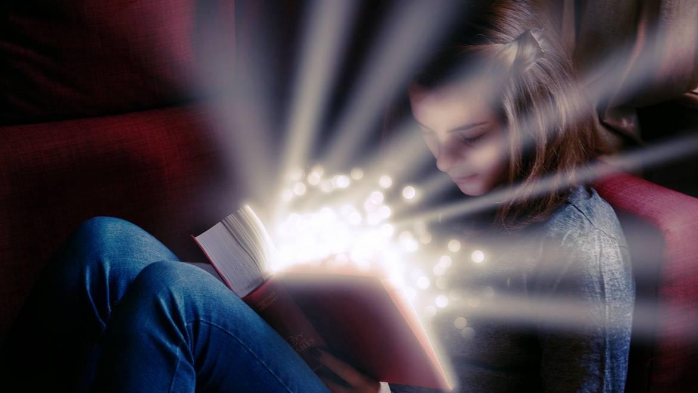 Leed autoras de lo extraordinario